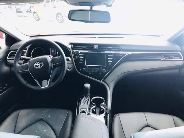 noi that xe toyota camry 2021