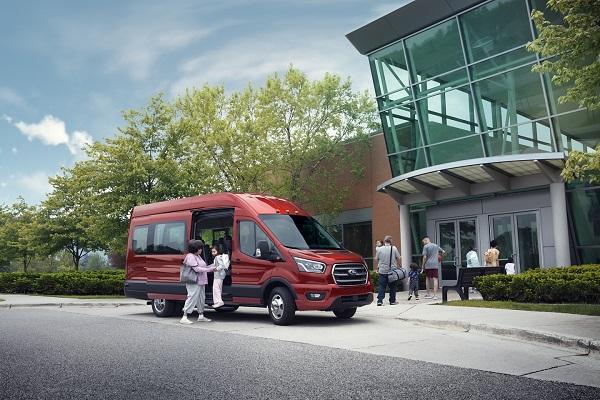 dau-xe-ford-transit-2021