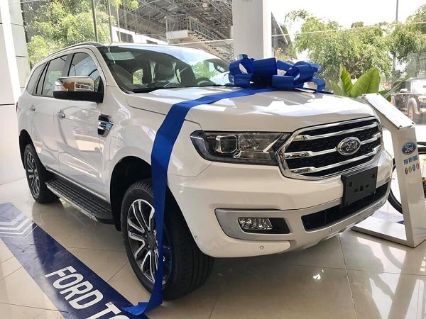 hinh-anh-ford-everest-2021-tai-showroom
