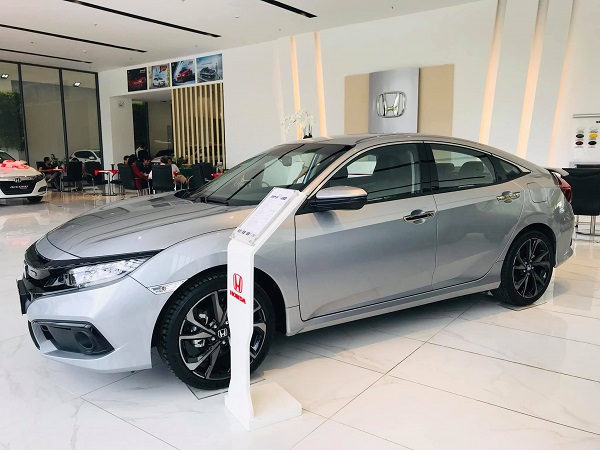 gia honda civic 2021 tai showroom 1