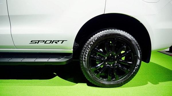 mam xe everest sport 2021