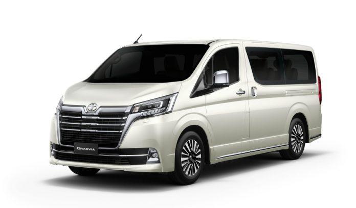 mua-xe-toyota-granvia-premium-2021