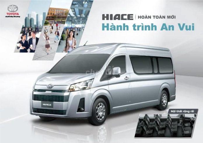 mua-xe-toyota-hiace-2021