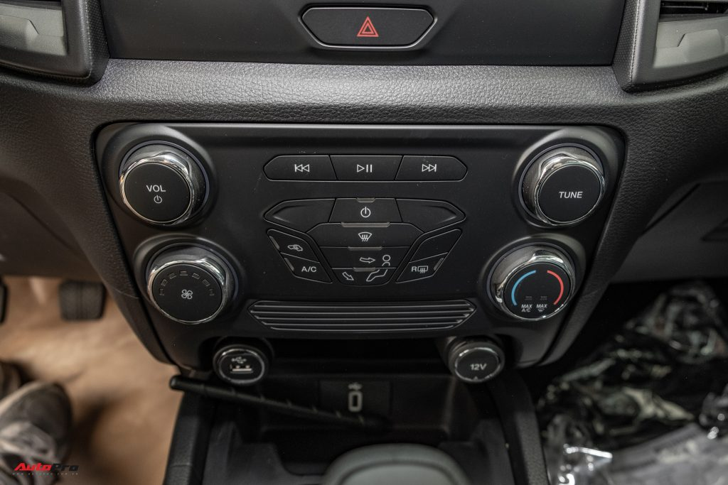 Ford Ranger XL SMT sieuthioto 17