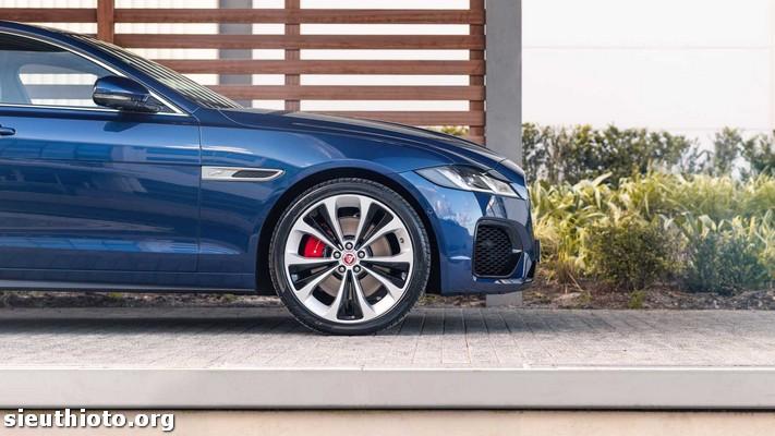 2021 jaguar xf side